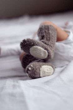 Newborn wool socks - Knitted natural wool baby socks - Playful baby socks…
