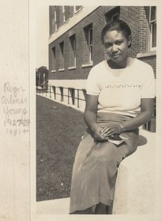 Roger Arliner Young was a zoologist and biologist and the first African-American woman to receive a doctorate in zoology. During her long career she studied radiation, paramecium, and hydration and dehydration of living cells. Black History Facts, Black History Month, Black Art, Kings & Queens, African American Women, African Americans, American Lady, Brave, Look T Shirt