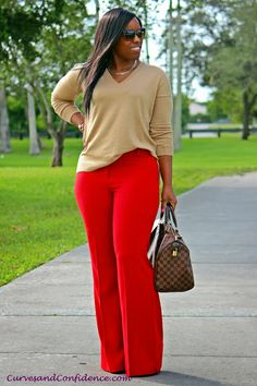 Note how the tan top complements the red trousers. Sweater from Gap, trousers from Victoria Secrets, necklace from purse from LV Speedy . Curves and Confidence. Beauty And Fashion, Curvy Girl Fashion, Work Fashion, Plus Size Fashion, Fall Fashion, Petite Fashion, Casual Outfits, Cute Outfits, Fashion Outfits