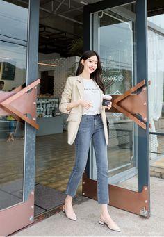 Korean Fashion Style 2019 Trends - Source by selenebomparola - Korean Fashion Work, Korean Fashion Trends, Work Fashion, Asian Fashion, Trendy Fashion, Fashion Outfits, Korean Fashion Summer Street Styles, Kawaii Fashion, Korean Style