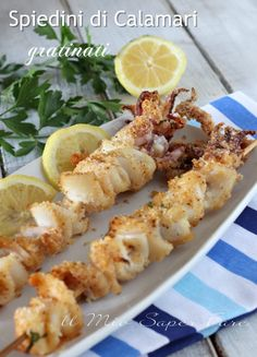 Grilled squid skewers baked second recipe and appetizer Calamari Recipes, Fish Recipes, Meat Recipes, Seafood Recipes, Cooking Recipes, Healthy Recipes, Finger Food Appetizers, Appetizer Recipes, Antipasto