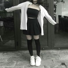hipster outfits for rainy days Hipster Outfits, Grunge Outfits, Teen Fashion Outfits, Kpop Outfits, Edgy Outfits, Mode Outfits, Korean Outfits, Fashion Models, Black Skirt Outfits