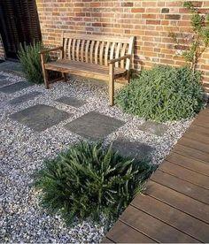 Front garden ideas with gravel gravel landscaping ideas pea gravel patio Pea Gravel Patio, Gravel Landscaping, Small Front Yard Landscaping, Garden Paving, Garden Paths, Landscaping Ideas, Backyard Ideas, Pergola Garden, Fence Ideas