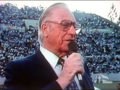In Memory of George Beverly Shea, Billy Graham Crusade Singer Billy Graham Crusades, Billy Graham Evangelistic Association, 5 Ways, Laughter, Singer, Memories, Youtube, Christ, Father