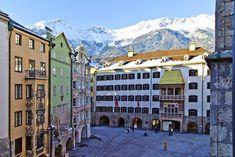 """<p><b>""""Nutze jeden Augenblick, lass keinen Tanz im Leben aus, mitnehmen kannst du nichts.""""<br></b><br>So soll der Spruch auf dem Schriftband auf Mount Everest, Times Square, Street View, Mountains, Nature, Travel, Mayrhofen, Ski Resorts, Ski"""