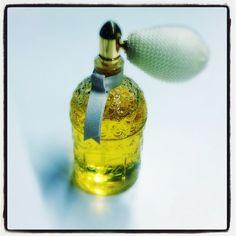 Scintillement d'aldéhydes: Liu et sa poire un peu cocotte. #Guerlain #parfum du jour #fragrance of the day