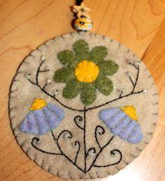 Flower felted ornament #felt #crafts