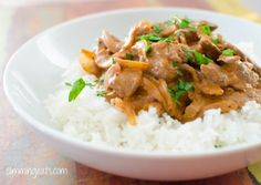 Slimming Syn Free Slimming World Beef Stroganoff - Are you fed up of eating the same meals on your Slimming World diet? Here are 5 great syn free slimming world recipes which all use beef. Save your syns for naughty treats and eat tasty filling meals Slimming World Beef Stroganoff, Slimming World Beef Recipes, Slimming World Free Foods, Slimming World Dinners, Slimming Eats, Healthy Eating Recipes, Cooking Recipes, Healthy Eats, Healthy Life