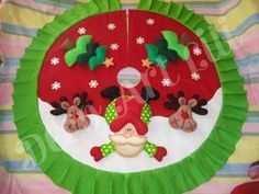 pie de arbol navideño - Buscar con Google Christmas Crafts, Christmas Decorations, Christmas Tree, Christmas Ornaments, Holiday Decor, Felt Crafts, Diy And Crafts, Quilting Projects, Tinkerbell