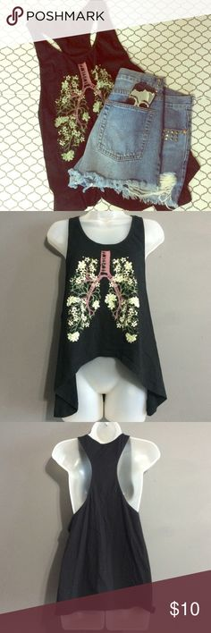 HiLow Lungs tank Hot topic tank size small/medium. Gorgeous tank with flower lung design. Can be dressed up or down. No trades. No ️️. No Ⓜ️ercari. Ask me about bundles  Offers submitted via the offer button are always considered Hot Topic Tops Tank Tops