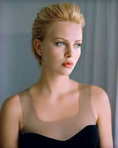 Beautiful Girl Image, Most Beautiful, African Actresses, Mighty Joe, Charlize Theron Oscars, Atomic Blonde, Actrices Hollywood, Hollywood Celebrities, Famous Women