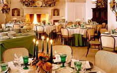 hotel dining room Assisted Living Homes, Italian Farmhouse, Table Linens, Dining Rooms, Table Settings, Hotels, French, Table Decorations, Furniture