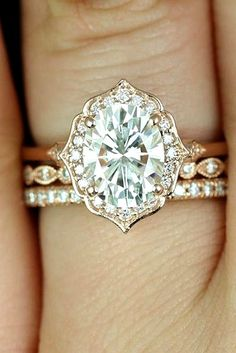 awesome 20 Unique Engagement Rings for Your Unforgetable Moments  https://viscawedding.com/2017/03/22/20-unique-engagement-rings-unforgetable-moments/