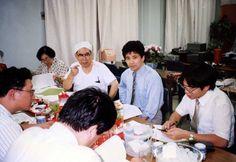 東京マタニティークリニック院長の柳田洋一郎先生には,コンピュータサイエンス分野で大変お世話になりました(写真のスキャニング).柳田洋一郎先生は,2009年4月8日に逝去されました.