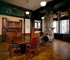 Salle à manger les Blés, en place à la Villa Majorelle. Photo Pierre Mignot - not really Craftsman but a beautiful and unique fireplace