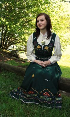 Kjære konfirmant! (✫Mashe) Folk Costume, Costumes, European Clothing, Norwegian Vikings, Going Out Of Business, Looking For Someone, Neverland, Homeland, Traditional Dresses