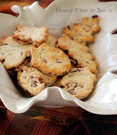 I saw this recipe in a special edition magazine from Southern Living~ Turkey Pot Pie with Cranberry-Pecan Crusts! Photo credit- Southern Living Southern Living's Turkey Pot Pie recipe sounded…