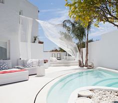 Villa Mandarina - great pool ideas for very low maintenance garden. Incredibly inviting!