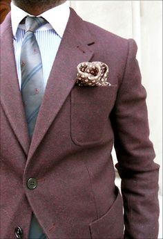 Nice colors, needs a bigger tie knot