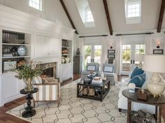 Transitional decorating style, living room 1920s Interior Design, Interior Design Living Room, Modern Townhouse Interior, Hgtv Dream Homes, Cape Cod Style House, Transitional Style, My Dream Home, Great Rooms, Marble Bathrooms