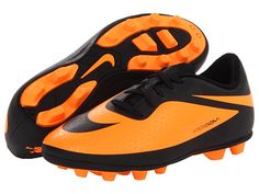 good deal on kids soccer cleats - lots of colors!