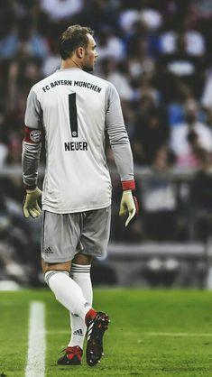 Best Football Players, Football Is Life, Football Soccer, Germany National Football Team, Germany Football, Football Images, Football Pictures, Steven Gerrard, Neuer Goalkeeper