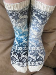 Ravelry: reindeer socks pattern by Sandra Jäger Chunky Knitting Patterns, Lace Knitting, Knitting Socks, Knit Crochet, Knit Socks, Lace Socks, Yarn Projects, Garter Stitch, Knitting For Beginners