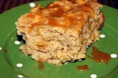 Little Bit of Everything: Crock Pot Caramel Apple Cake