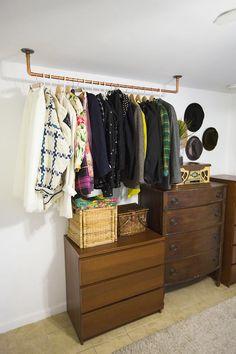 36 Ideas small closet organization diy clothing storage hanging racks for 2019 Diy Clothes Rack Pipe, Clothes Hanger Storage, Hanging Clothes Racks, Hanging Racks, Clothing Storage, Diy Hanging, Closet Clothing, Diy Clothing, Hanging Plants