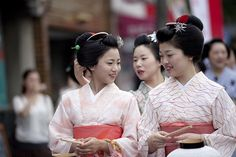 Kamishichiken Bon-Odori #2 by Onihide, via Flickr