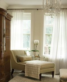 Love this corner - perfect for cozying up & reading*