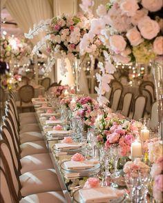 A romantic evening dining under a shower of flowers. Venue: @bevhillshotel 2017