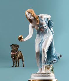 """Parzival"" und die ""Kugelspielerin"", Meissen, Photography Andreas Lange #mops #dog"