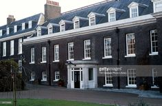 Houses of State: Kensington Palace - Part 3 of 4 - Apartments 8 & 9 - Princess Diana's Apartment at Kensington Palace Prince And Princess, Princess Of Wales, Lady Diana, Kensington Apartment, Kensington Palace Gardens, Country Life Magazine, Kensington London, British Royal Families, Royal Residence