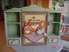 Armarinho porta xícara e chá