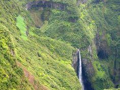 Une des cascades du Trou de Fer visible du point de vue aménagé