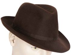This is a quality mens fedora hat made by Battersby of London. Battersby, of course, was a legendary English hatmaker, with head office in London and factory located in Stockport. It is that Stockport