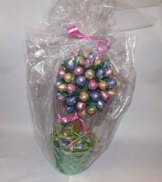 Ornament Wreath, Ornaments, Wreaths, Home Decor, Decoration Home, Door Wreaths, Christmas Decorations, Deco Mesh Wreaths, Interior Design