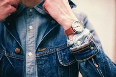 For most men, watch is the only piece of jewelry they wear. Here's how to choose a men's watch >>