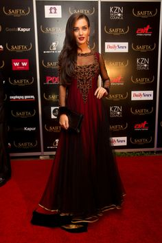 Amy Jackson glitters on the red carpet at South Africa India Film and Television Awards  #SAIFTA
