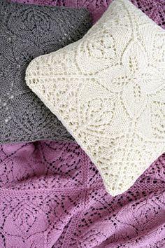 Neulottu tyynynpäällinen Novita Isoveli | Novita knits