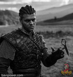 Alex Høgh Andersen as Ivar the Boneless - Vikings Love him as this character. Vikings Tv Show, Vikings Tv Series, Viking Men, Viking Life, Viking Warrior, Viking Shop, Ivar Le Désossé, Ivar Ragnarsson, Ragnar Lothbrok Vikings