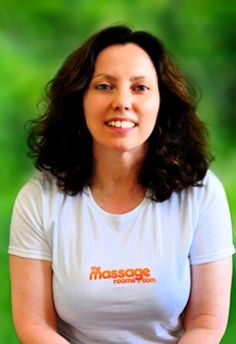 Lizzy offers professional therapeutic massages at homes and hotels in and around London Waterloo Railway Station (WAT) in South Bank, Greater London