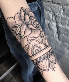 Source: Sasha Masiuk| #tattoo #tattoos #tats #tattoolove... #tattoo #tattoos #tattooed #art #design #ink #inked