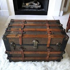 steamer trunk tin | Large Antique Steamer Trunk Coffee Table Flat Top Slatted Wood and ...
