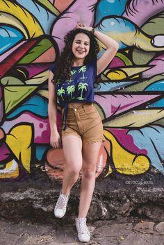 ensaio fotográfico, ensaio teen, ensaio 15 anos, ensaio fotográfico externo, ensaio ao ar livre, arte urbana, festa de 15 anos, blog 15 anos Portrait Photography Poses, Street Photography, Tumblr Girls, Teen, Female, Clothes, Backgrounds, Iphone, Ideas