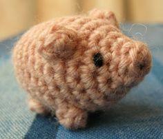 LucyRavenscar - Crochet Creatures: Bazaar Patterns: Little Lucky Pig