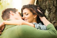 Všechny rozmrzelosti, které se v muži nahromadily, se snadno odplaví, když prožije nádherné milování. Takové nádherné milování je pro muže nejlepší lék.