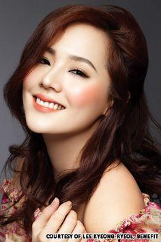 The Best Lipstick Color for Asian Skin Best Lipstick Color, Best Lipsticks, Lipstick Colors, Asian Makeup Looks, Korean Makeup Look, Korean Beauty, Bridal Makeup, Wedding Makeup, Asian Makeup Before And After