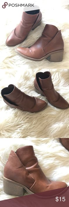 Apt. 9 cognac booties w/ heel size 8 Booties size 8 in cognac color. Condition still good to fair. Comfortable & cute paired with skinny jeans. Apt. 9 Shoes Ankle Boots & Booties